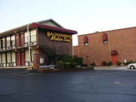 Baldknobbers Motel